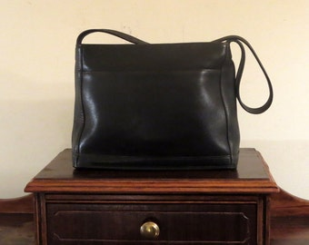Spring Sale Coach Bleeker Zip Large In Black Leather Style No 9310 - Made In Costa Rica- VGC