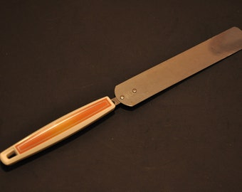 Vintage Rare Ecko Cake Icing Knife, awesome orange handle, stainless blade