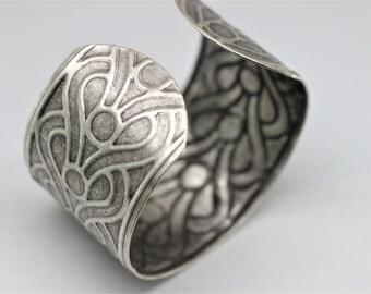 Raw Brass Cuff Bracelet Blank - 40 mm (1.57 inches) Cleopatra Cuff Blank For Bracelet Making - Matt Silver Cuff - Floral Pattern Blank