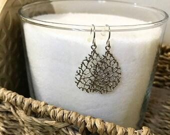 Bushes teardrop earrings
