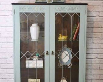 Shabby chic display cabinet/bookcase