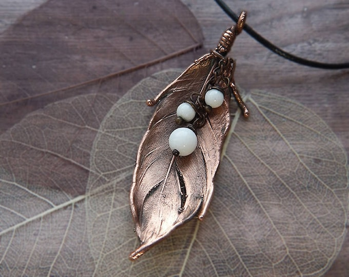 Real feather pendant, copper electroforming jewelry, white agate, metal feather, boho style, natural style, copper plated, unusual necklace