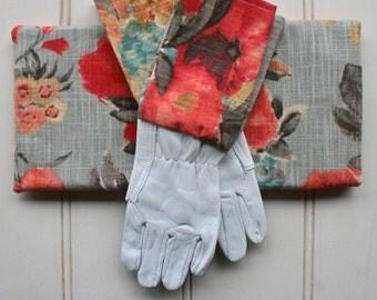 Gardening Giftset - Kneeling Pad & Gloves in Watercolour Odyssey, Boho, Womens Gift, Flower, Botanical, Gift for Art Teacher, Green Thumb