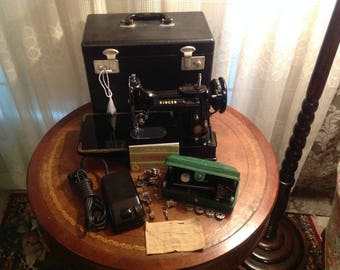 Singer 222K Featherweight Sewing Machine and Accessories