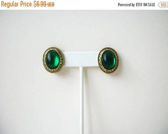 ON SALE Retro Antiqued Gold Green Plastic Stone Clip On Earrings 42617