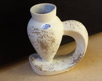 Duif's Keramiek, Aalsmeer, Netherlands: rare and splendid white intricate modernist design vase