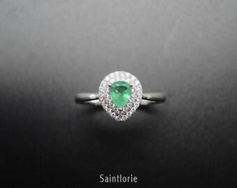 0.39 Carat Emerald Engagement Ring
