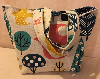 Birds and trees pattern tote bag