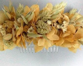 Medium crown with beige hydrangea (Flower comb)