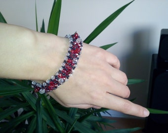 Beaded bracelet, Red and black bracelet, Beaded jewelry, Gift for her