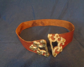 Vintage 1950's Leather Belt - 28 inches length - brass closures
