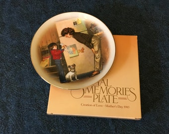 Vintage Avon Special Memories 1986 Miniature Mothers Day Plate, A New Tooth by by Tom Newsom