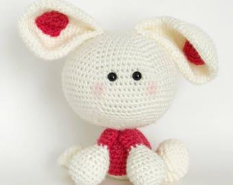 Rye bunny, amigurmi bunny, free US shipping, crochet bunny, Easter bunny, ready to ship, white bunny, bunny toy, children's stuffed toy