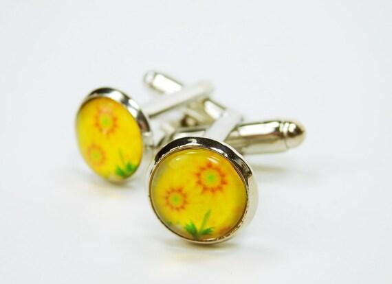 Small cuff buttons yellow flowers round silvery wedding jewelry mens men jewelry yellow flower cuff button