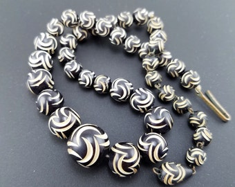 Striking Art Deco Black & White German Galalith Bead Vintage Necklace