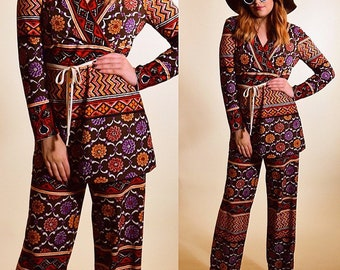 Authentic vintage 1970's Janis Joplin inspired 2 piece groovy hippie floral psychedelic patterned pant suit long sleeve blouse women's small