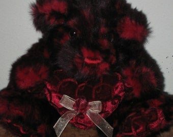 1980's Dan Dee Collector's Choice Red Tones Valentines Day Issue Wonderful Condition Teddy Bear Plush Toy! #LM