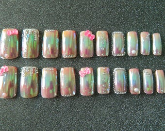 Shattered Glass/Rainbow Wide Fit False Nails.