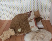 Miniature bedding for dollhouse - 8 pieces Cute bear blanket and accessories