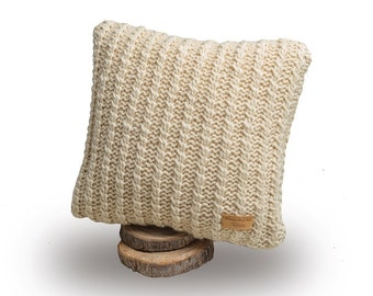 Wool knit pillow, Knitted pillow, Wool cushion, White pillow, Merino wool cushion, Roving yarn, Knitted cushion, Square cushion, Knit pillow
