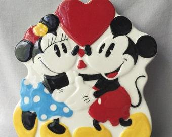 Mickey & Minnie Ceramic Trivet  // Mickey Mouse Collectable // Vintage Mickey Mouse // Minnie Mouse // Vintage Disney (B11)