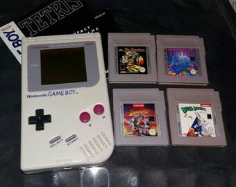 Vintage Game Boy DMG-01 1989 with 4 games