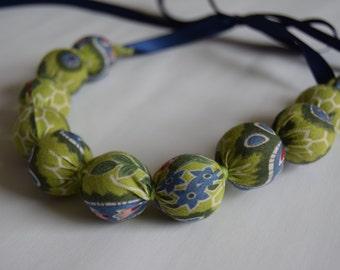 Handmade Fabric Bead necklace - Paisley green - jewellery