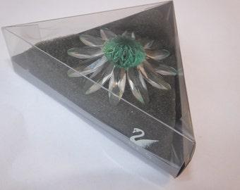 Genuine Swarovski Collectors Society SCS Green DAISY Crystal Flower (Marguerite Daisy)