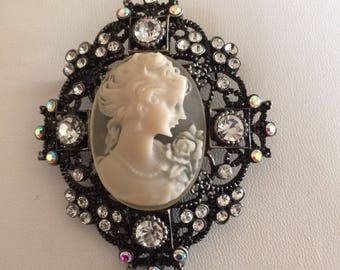 Large Blush Cameo Pin Brooch