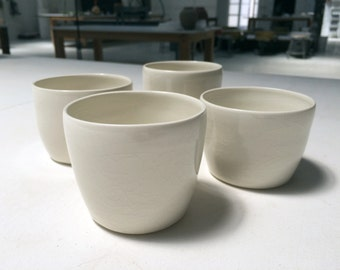 White Cups, Gobelets, Mugs
