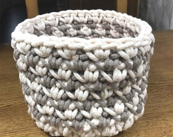 Two-color basket