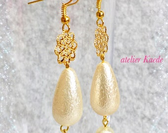 "Earrings ""dropped cotton pearls"""