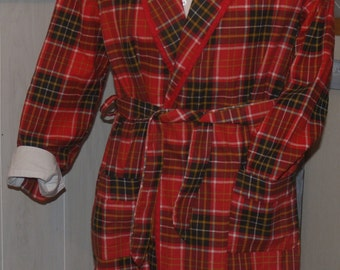 vintage 1960s CHRISTMAS MORNING ROBE smoking jacket 100% cotton flannel ~ permi press ~ McKenzie Imperial sz Medium