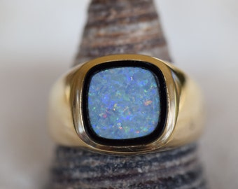 14 Karat Yellow Gold Opal Gemstone Mens Solitaire Ring, US Size 10.0, Used Vintage Jewelry