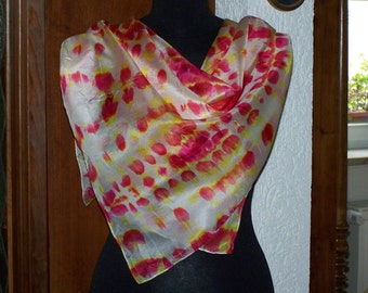 handpainted romantic shiboriscarf in white, yellow and red, silkpainting on Pongé-silk, shawl, one of a kind, wearable art, unique