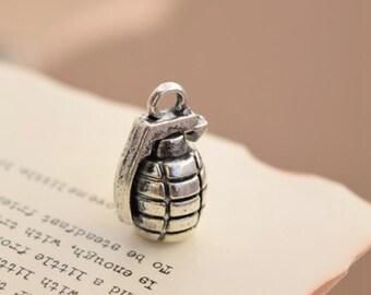 10 antique silver hand grenade charms steampunk charm pendant pendants  (L04)
