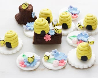 Bumble bee cupcake toppers, Bee cupcake toppers,Honey bee cupcake toppers, Edible bee cupcake toppers