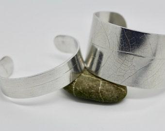 wide silver cuff bangle, silver leaf cuff, silver cuff, aluminium leaf cuff, leaf print cuff, organic silver cuff, wide silver cuff