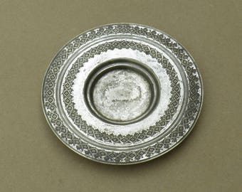Vintage/Antique Silver Plated Dish/Plate - Etched Design - John Round & Son - Distressed/Worn/Shabby Chic