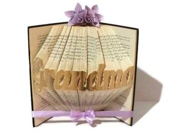 Grandma book folding pattern. DIY Grandma gift. Create your own book sculpture. Free tutorial