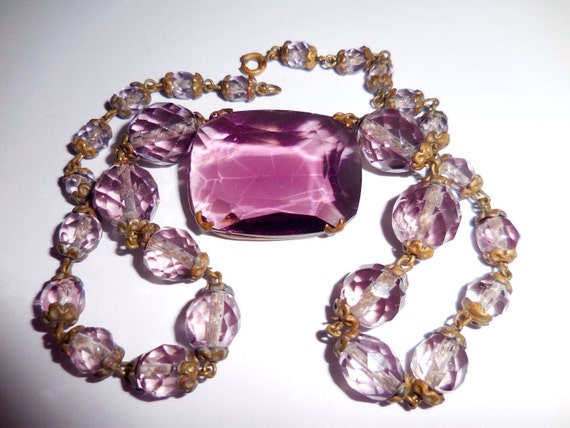 Estimated 50s - 60s vintage art deco amethyst glass crystal necklace, Czech glass necklace, short necklace with large glass stone