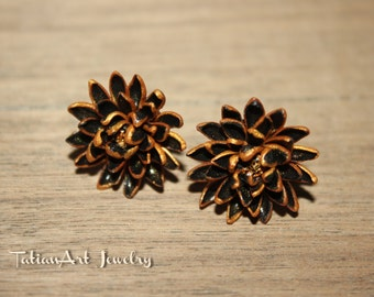 Classic Black Chrysanthemum Small Earrings Flower Fashion Polymer clay flower Chrysanthemum Gift for a blonde lady