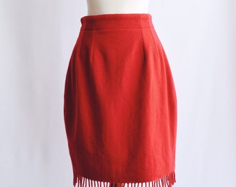 Red wool skirt lace
