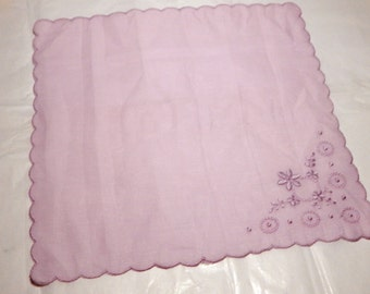 Delicate 1950s Lavender 10x10 Handkerchief with scalloped edges