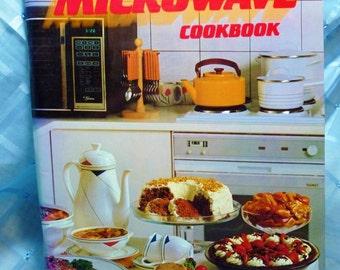 Vintage Australian Women's Weekly Cookbook - Microwave