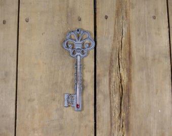 Cast Iron Key-Shaped Thermometre