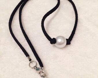 Pearl choker / Black suede pearl choker