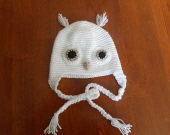 Cute child's owl hat