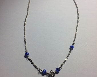 Silver chain with lapis lazuli stones