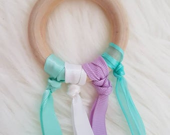 Montessori hand kite teether - mint and lavender